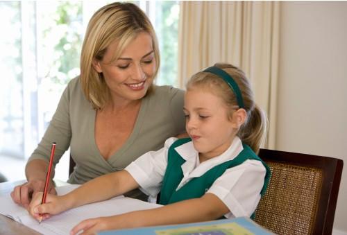 美希老师告诉家长应该如何辅导孩子写作业图片